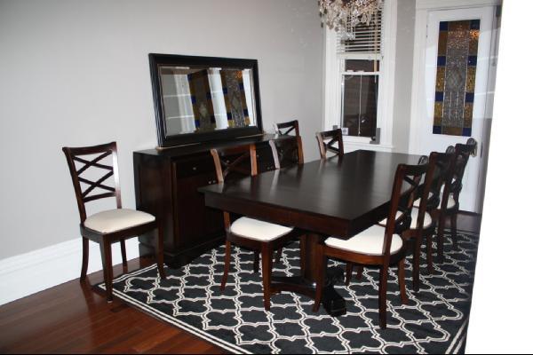 Thay đổi không gian phòng ăn với thảm trải sàn