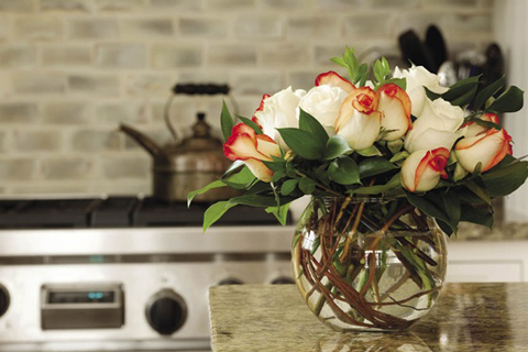 mùng 8-3, trang trí nhà, cách cắm hoa, lãng mạn