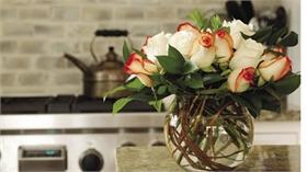 Mách bạn những cách trang trí nhà với hoa tươi cho ngày 8-3