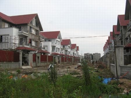 lãi suất giảm, bất động sản, gửi tiết kiệm, xây dựng