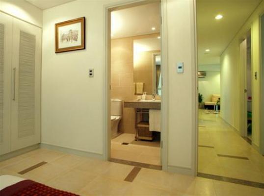 cửa trước, cửa sau, kiêng kỵ, sức khỏe, ngôi nhà, phòng khách, gia đình