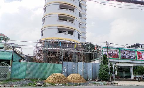 Chờ nhận nhà ở dự án chung cư Long Phụng Residence dân mệt mỏi