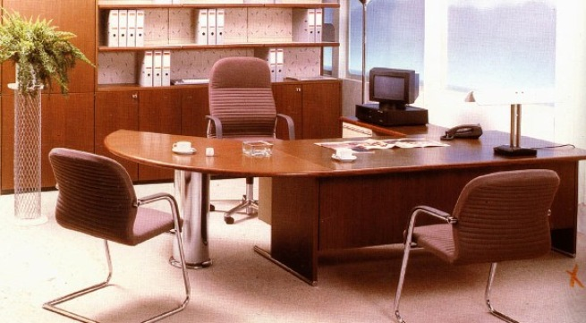 phong thủy, bàn làm việc, văn phòng, cấm kỵ