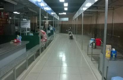 Hà Nội: Chuyện ngược đời ở chợ Trung Hòa!
