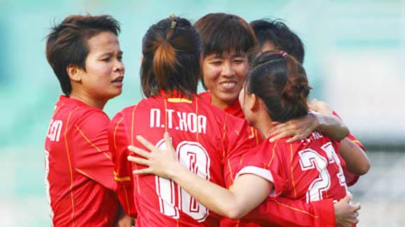 Bóng đá nữ Việt Nam ra sân là thắng đâm!