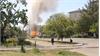 Bạo lực tiếp diễn, xe bọc thép bị đốt ở Ukraina