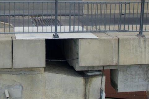 Cận cảnh khe hở trên cây cầu 3.000 tỷ ở Sài Gòn