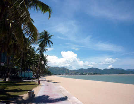 Khanh Hoa protests National Geographic magazine's list National Geographic rates Nha Trang as bad beach destination