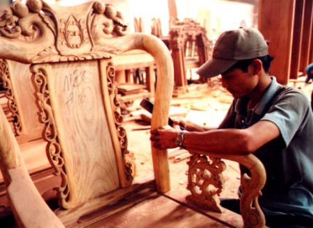 Growing local market attracts furniture exporters