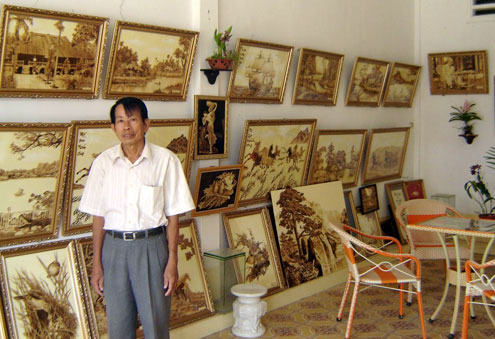 Artisan Vo Van Tang from Nui Sap town, Thoai Son district in the southern province of An Giang,