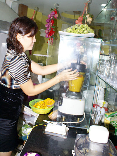 The first person to make dyes for rice noodle from vegetables. Ms. Thanh Nguyen,