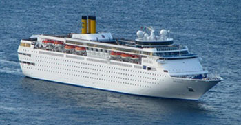Saigontourist receives over 1,300 tourists on cruise ships