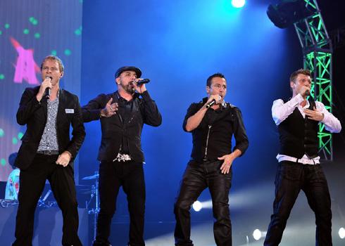 Vietnamese fans go crazy with Backstreet Boys