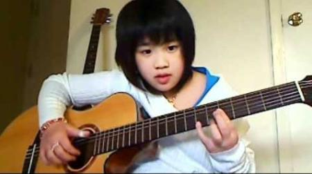 Vietnamese American girl's clips attracts huge views on Youtube