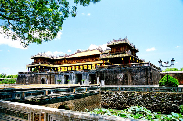 Discover ancient capital city of Hue