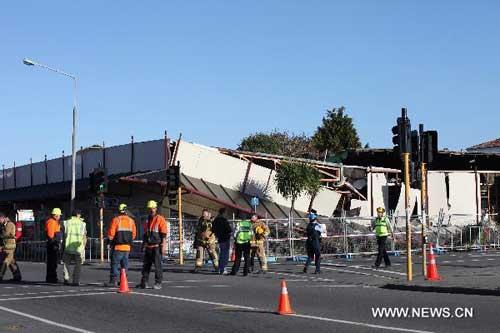 Christchurch braces for cold, flood, more shocks after day of violent tremors