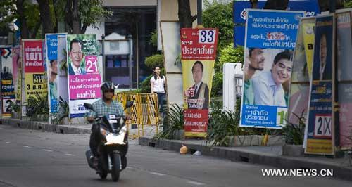 Thai political parties launch last-ditch efforts for general election