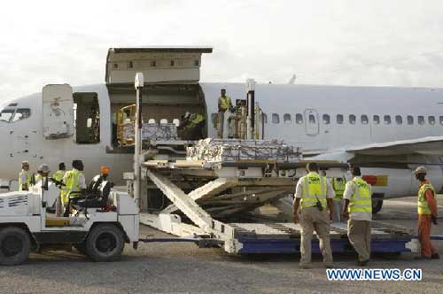 WFP airlifts first aid to Mogadishu
