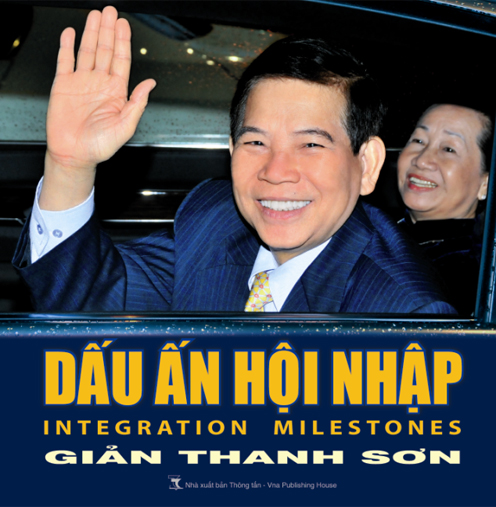 Photo book on former President Nguyen Minh Triet published