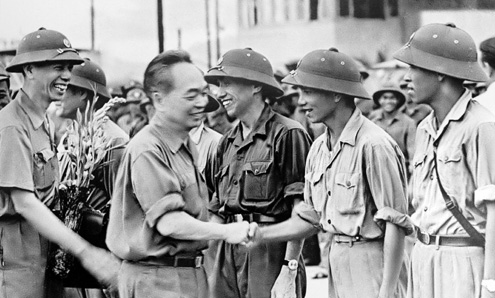 a description of senior general vo nguyen giap Vo nguyen giap was born in quangbinh province, in central vietnam, of an impoverished mandarin family educated in a french lycée in hue and at hanoi university, he joined the indochina communist party in the 1930s.