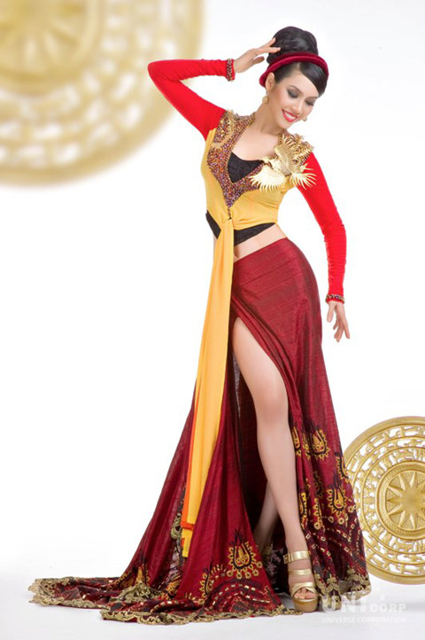 Hoang My\'s traditional costume and evening gown for Miss Universe ...