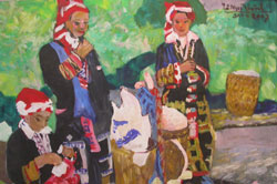 Sa Pa people and landscape exhibited in 'Mua Thu' collection