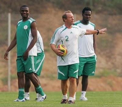 Top African goalkeeper joins Vietnamese FC