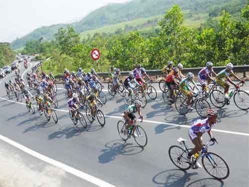 Viet wins yellow in Cup tour