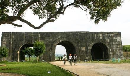 Ho dynasty citadel – World Cultural Heritage Pride of Vietnam