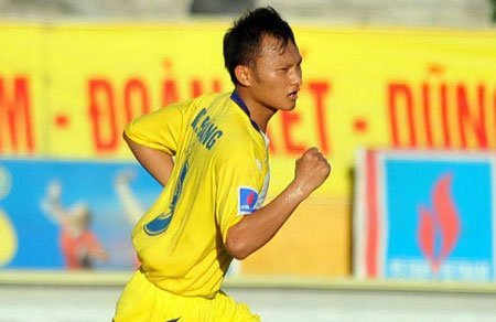 Nghe An back in League race