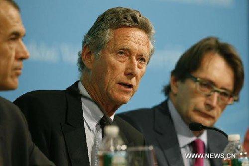 IMF lowers global economic outlook