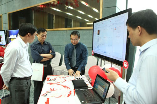 Internet service on cable TV transmission line rivals ADSL