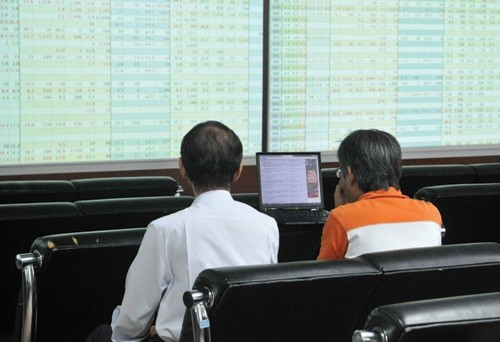 Domestic investment funds retire from the market