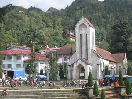 Grilled dishes attract tourists in Sapa