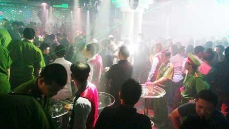 HCM City's major discotheque stormed by hundreds of policemen