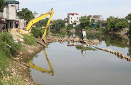 Vietnam, environment improvement, pesticide stockpiles, polluted craft villages