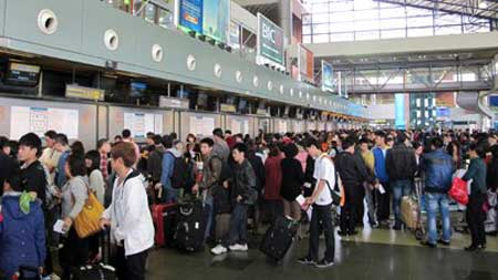 Local airlines cancel, delay over 540 Tet flights