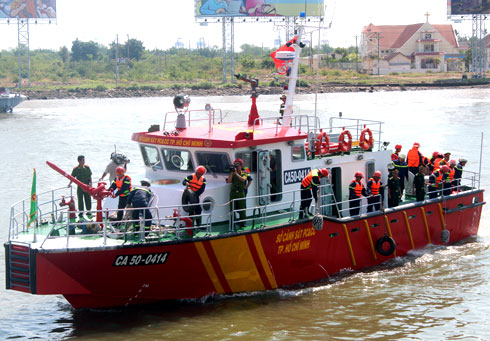 20130304140655 1 Saigon Acquires Its First Modern Fire Fighting Ship