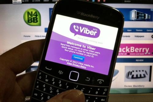Free messaging apps boom in Vietnam