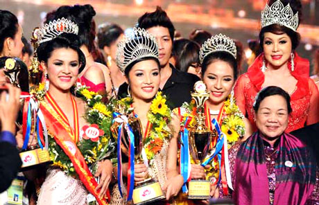 miss ethnic vietnam, beauty pageant, hoi an, competition, contestants