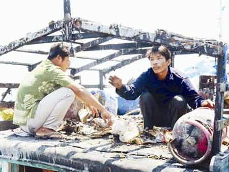 Viet Nam, China boat, Hoang Sa archipelago, Vietnamese fishermen
