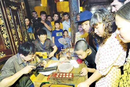 Ha Noi, Old Quarter, Hang Bac Street, jewellery festival, Kim Ngan Temple
