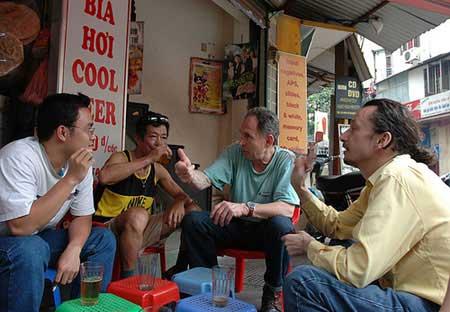 Viet Nam, unbelievably comfortable, ballroom dancing, Hoan Kiem Lake, standard of living, bia hoi