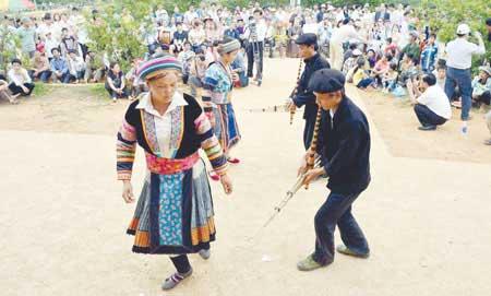 Ethnic groups display diversity