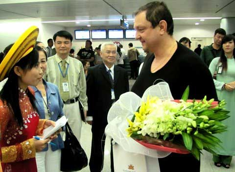 Ha Noi, HCM City, tourism associations, VITM, foreign visitors