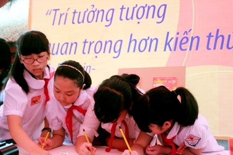 Textbooks account for 75 percent of books published in Vietnam