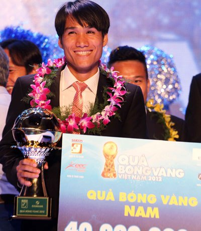 Quoc Anh wins Vietnam Golden Ball Award