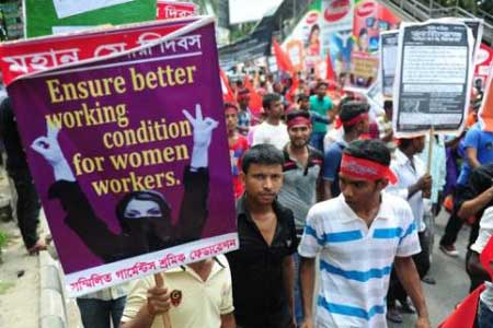 Bangladesh, improve working conditions, Walmart, garment industry