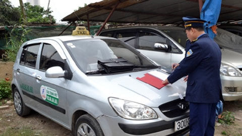 Be careful with tricks of Hanoi's taxi drivers!