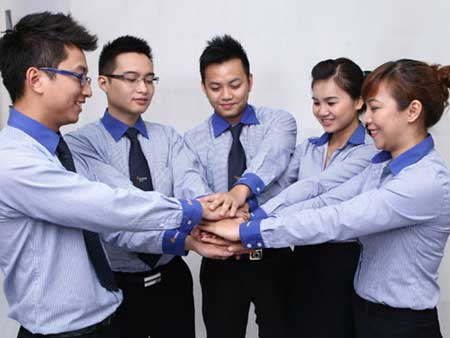 Graduates From Overseas Face Tough Job Search At Home